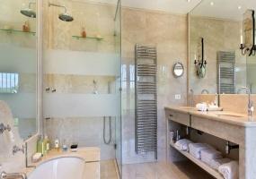 4 Bedrooms, Villa, Vacation Rental, 4 Bathrooms, Listing ID 2001, Gassin, France, Europe,