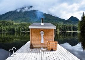 9 Bedrooms, Resort, Hotel, 9 Bathrooms, Listing ID 2011, Canada,