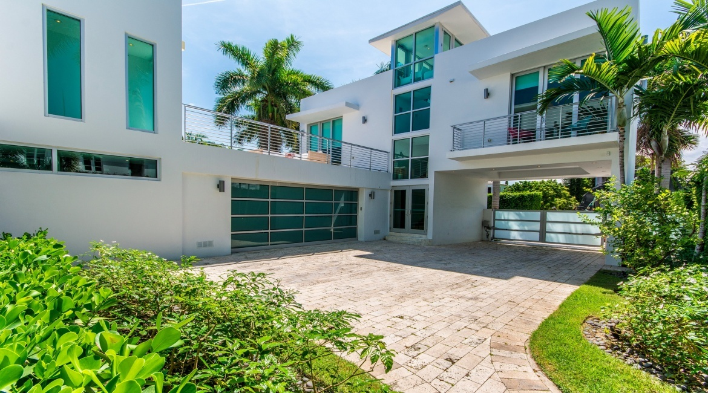 7 Bedrooms Bedrooms, ,7.5 BathroomsBathrooms,Villa,Vacation Rental,2489