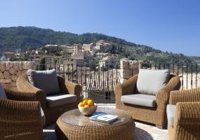 Majorca, 4 Bedrooms Bedrooms, ,4 BathroomsBathrooms,Villa,Vacation Rental,2560
