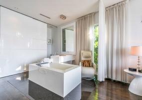 6 Bedrooms Bedrooms, ,6.5 BathroomsBathrooms,Villa,Vacation Rental,2585