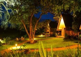 4 Bedrooms, Homestead, Vacation Rental, 4 Bathrooms, Listing ID 1362, Victoria Falls, Matabeleland North Province, Zimbabwe, Africa,